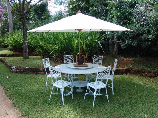 mesa jardim curitiba:Mesa De Jardim Rústica Em Madeira E Ferro Com 2 Cadeiras Pictures to